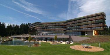 Hotel Aviva Commercial Building
