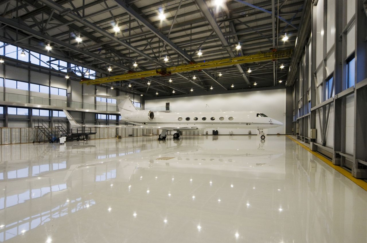 Industrial floor coating with Sikafloor high performance flooring system in aircraft hangar