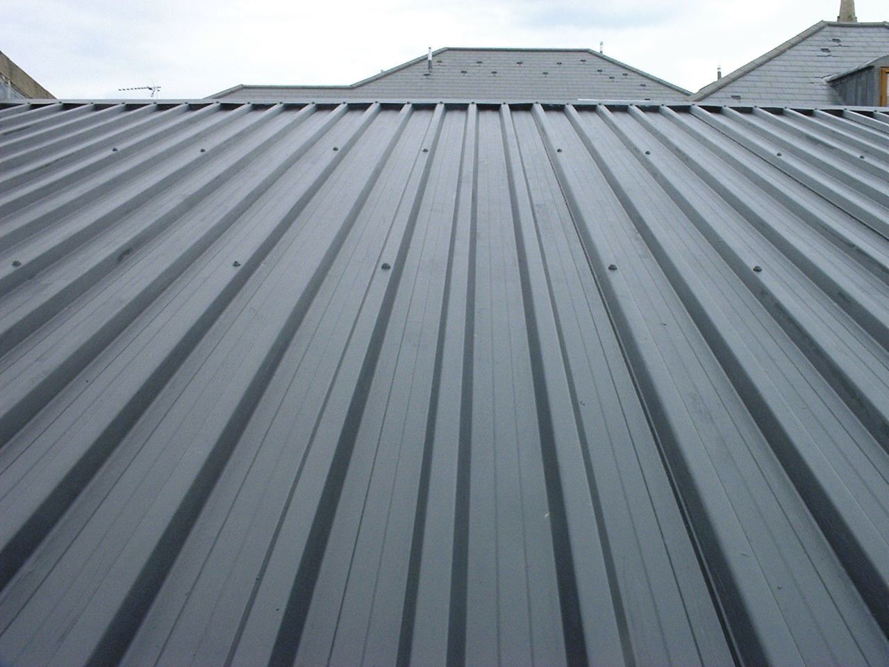 Liquid applied membrane substrate metal