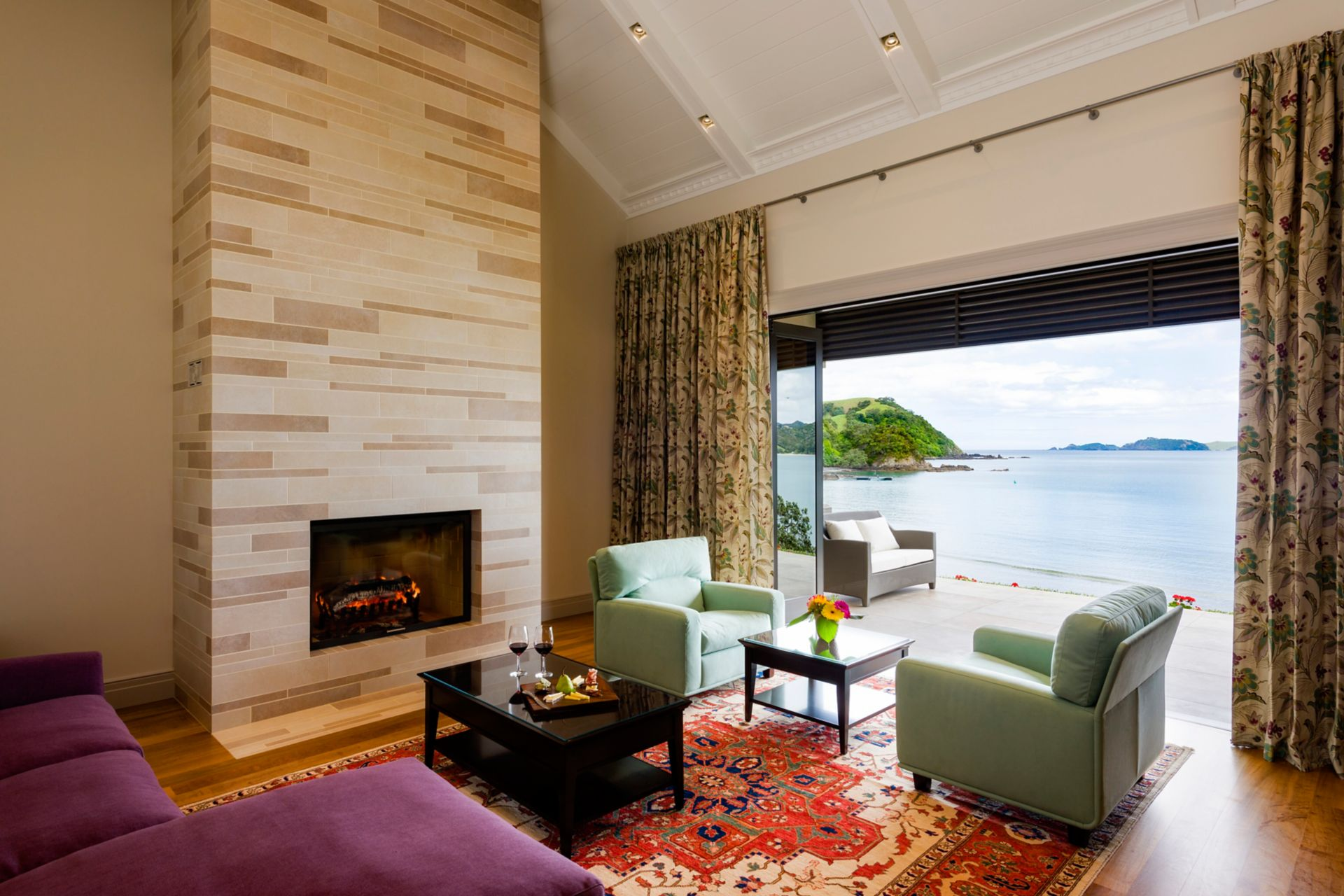 Room with chimney in luxury lodge in New Zealand