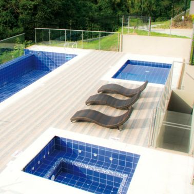 Swimming pool of the residential complex Mirador De Los Ocobos Armenia, Colombia