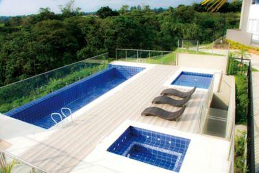 Swimming pool of the residential complex Mirador De Los Ocobos Armenia, Colombia