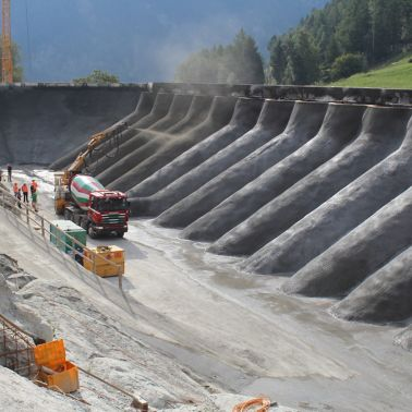 Applying sprayed concrete at Argessa Hydropower Plant, Oberems, Switzerland
