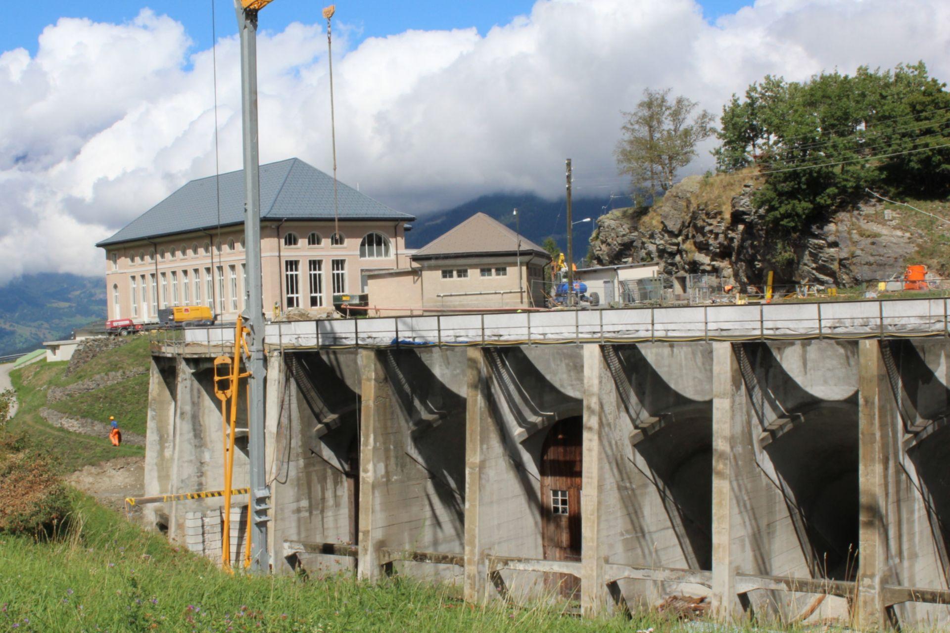 Applying sprayed concrete at Argessa Hydropower Plant, Oberems, Switzerland