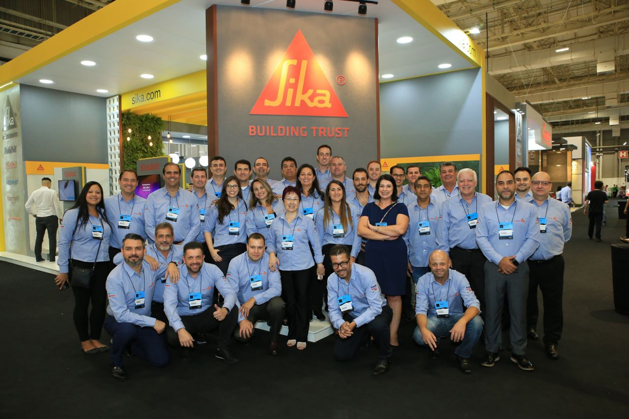 Sika and Parex teams from Argentina and Brazil worked together at the Revestir Expo, the major trade show in Brazil for architects and contractors