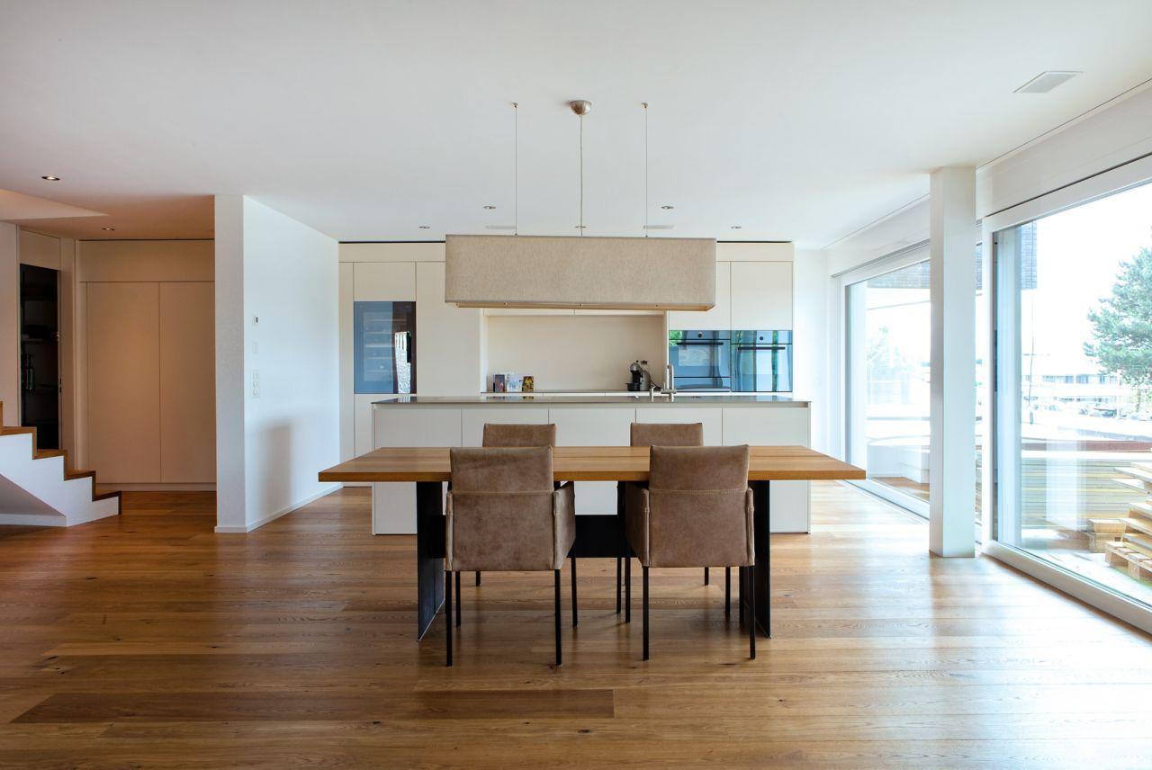 dřevěná podlaha v rodinném domě