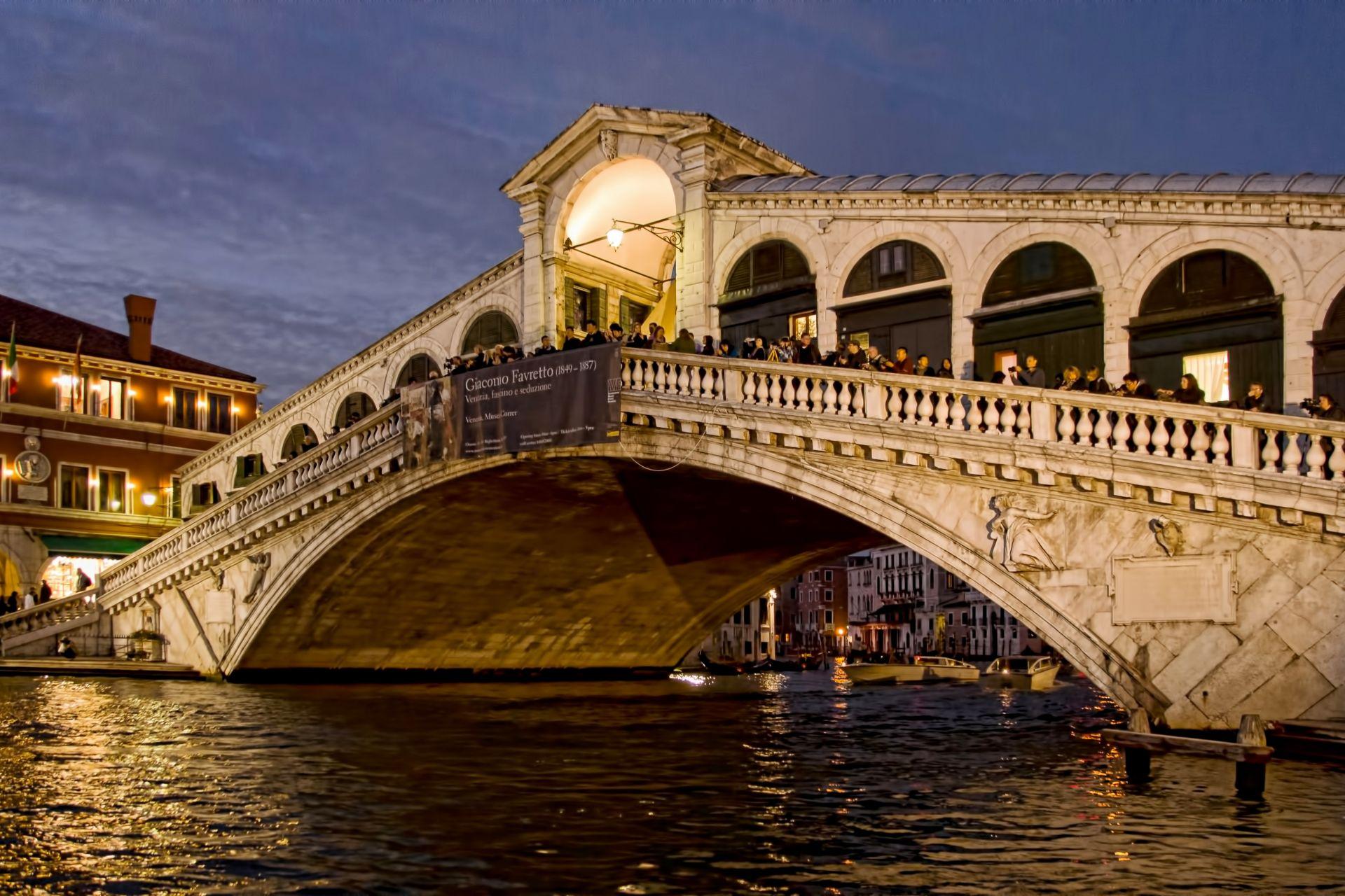 Rialto Bridge in Venice Italy