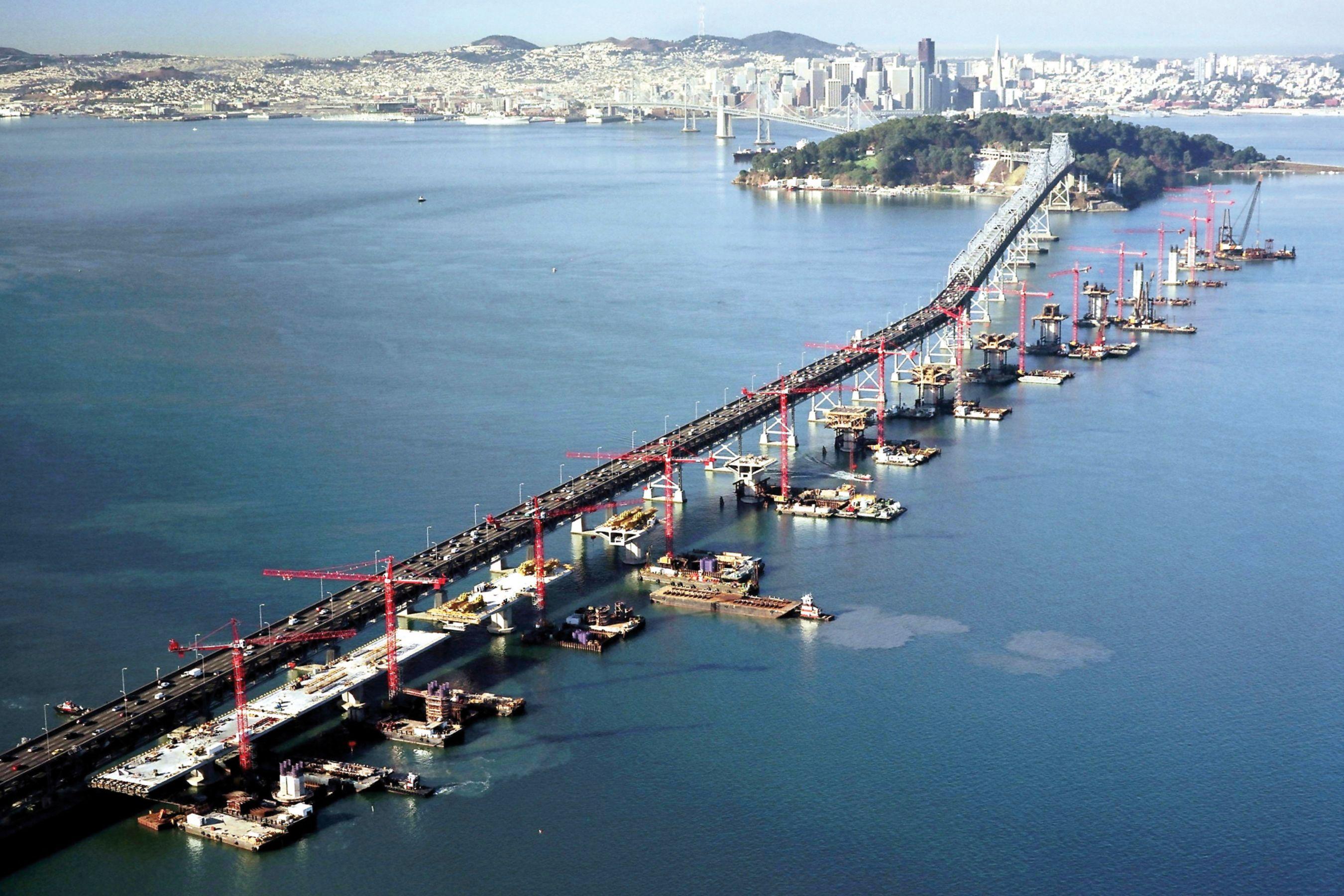 旧金山的建筑 - 奥克兰海湾大桥在美国