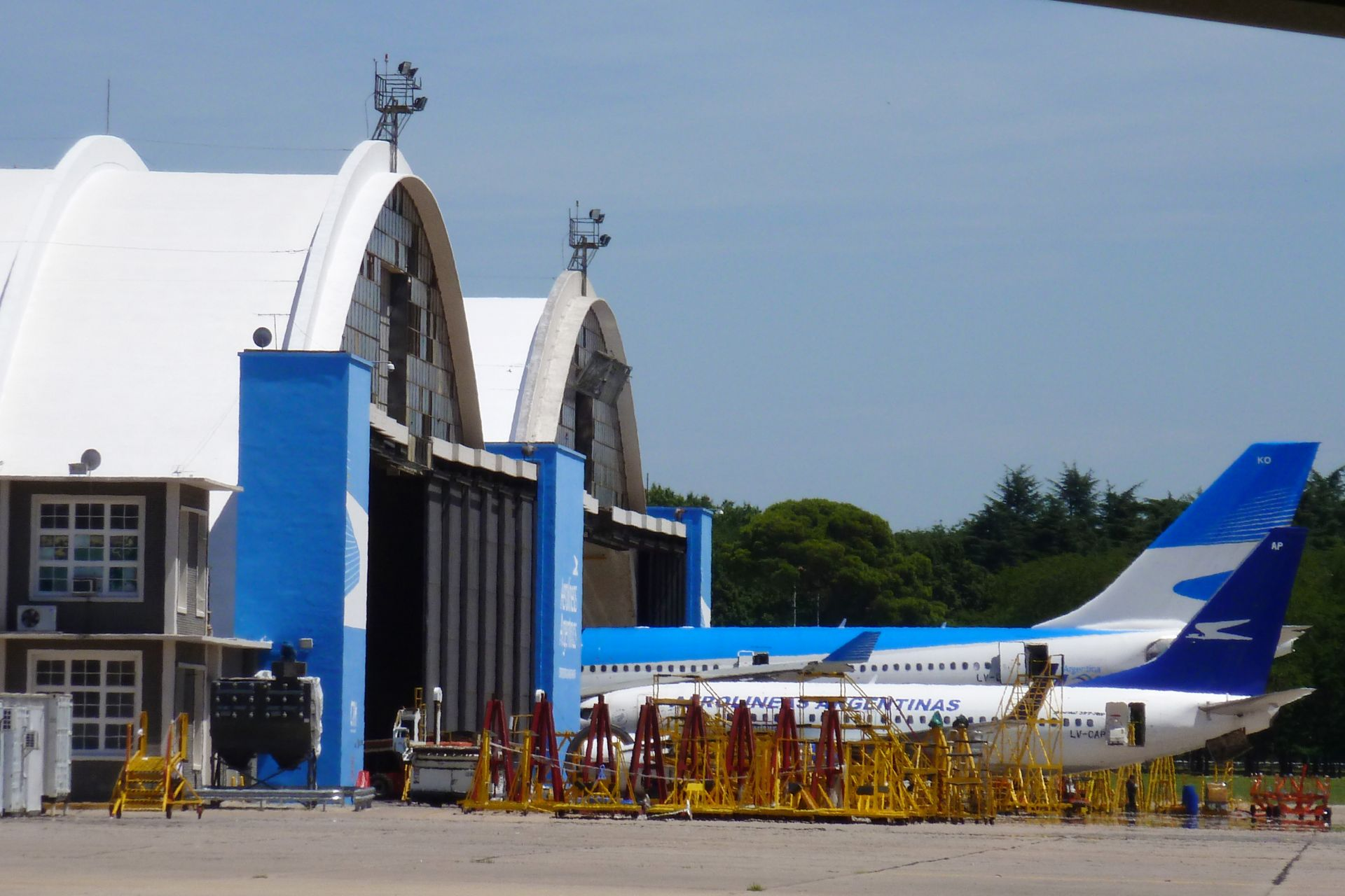 Sika Cool roof applied on a hangar airport in Argentina