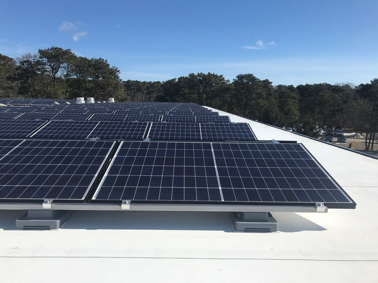 Sika SolarMount-1 on solar roof installed in south configuration in Nauset