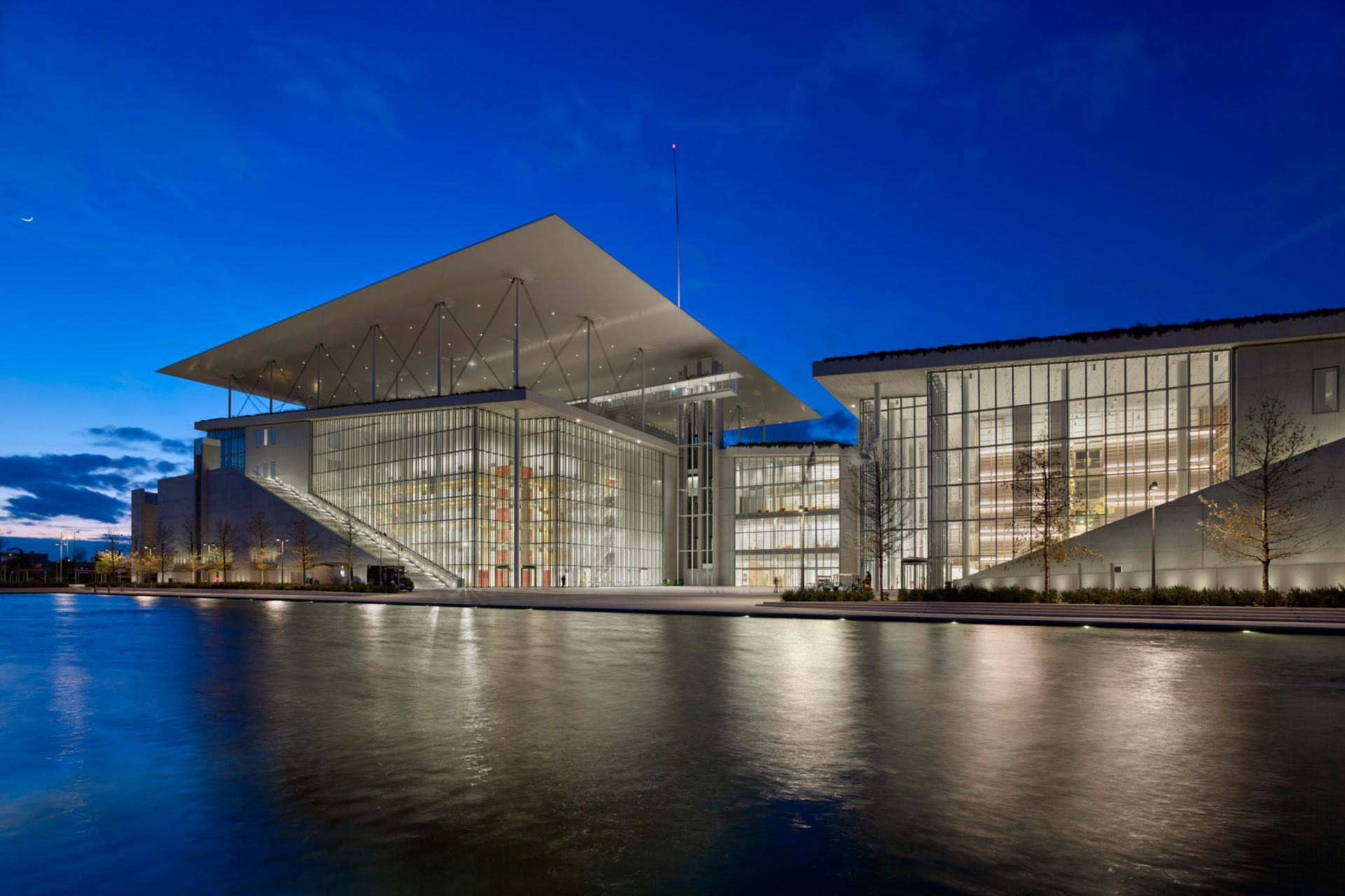 The Stavros Niarchos Foundation Cultural Center by night
