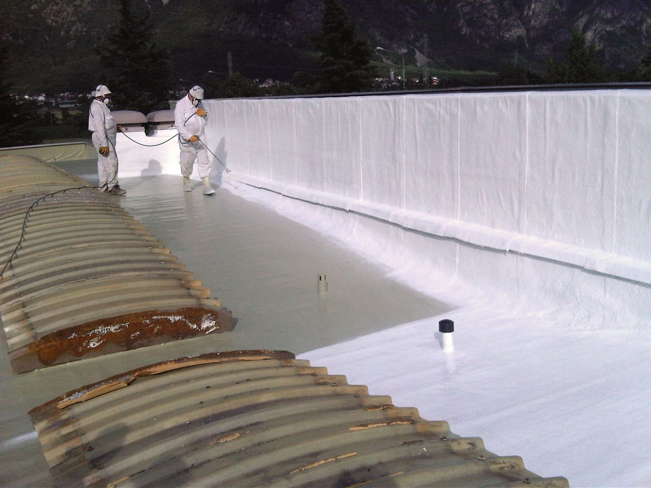 Roof refurbishment work of the Leaf Factory in Italy