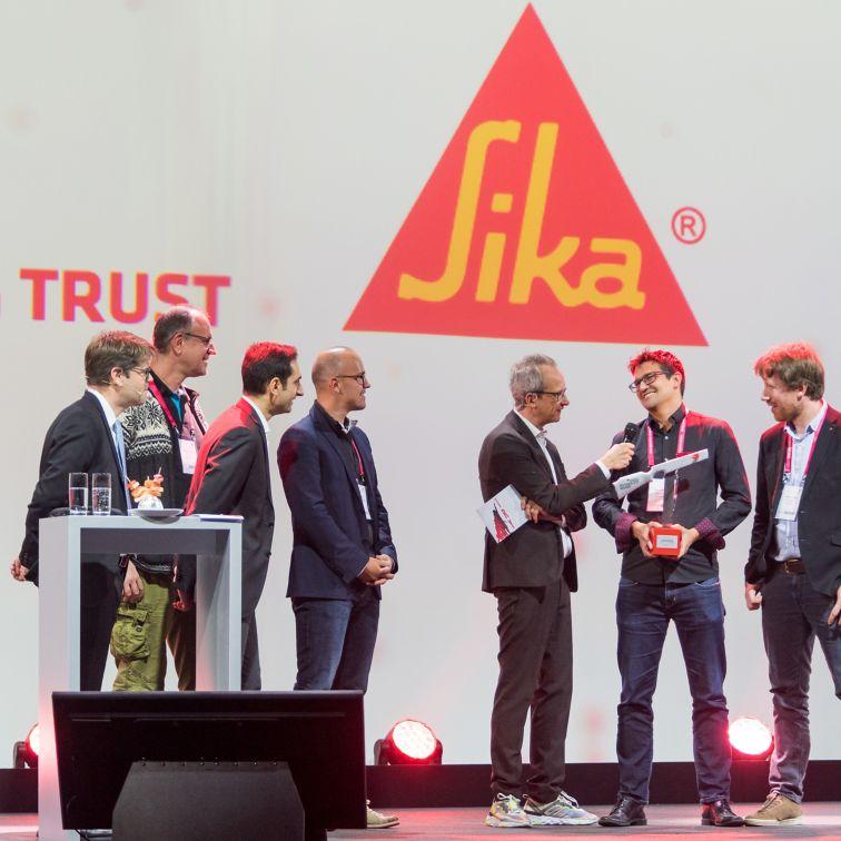Team receiving the Swiss Technology Award
