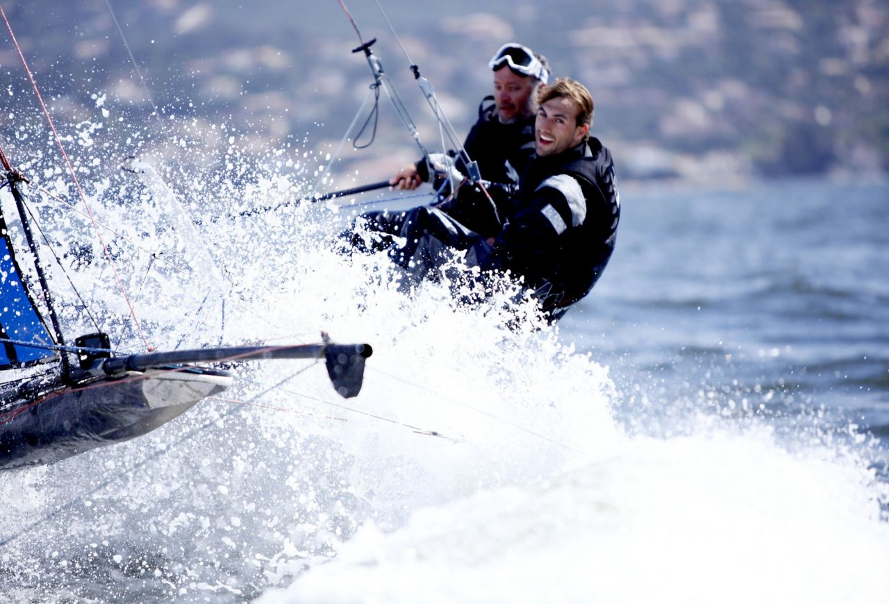 2 sailors sailing and wearing laminated technical textile with SikaMelt