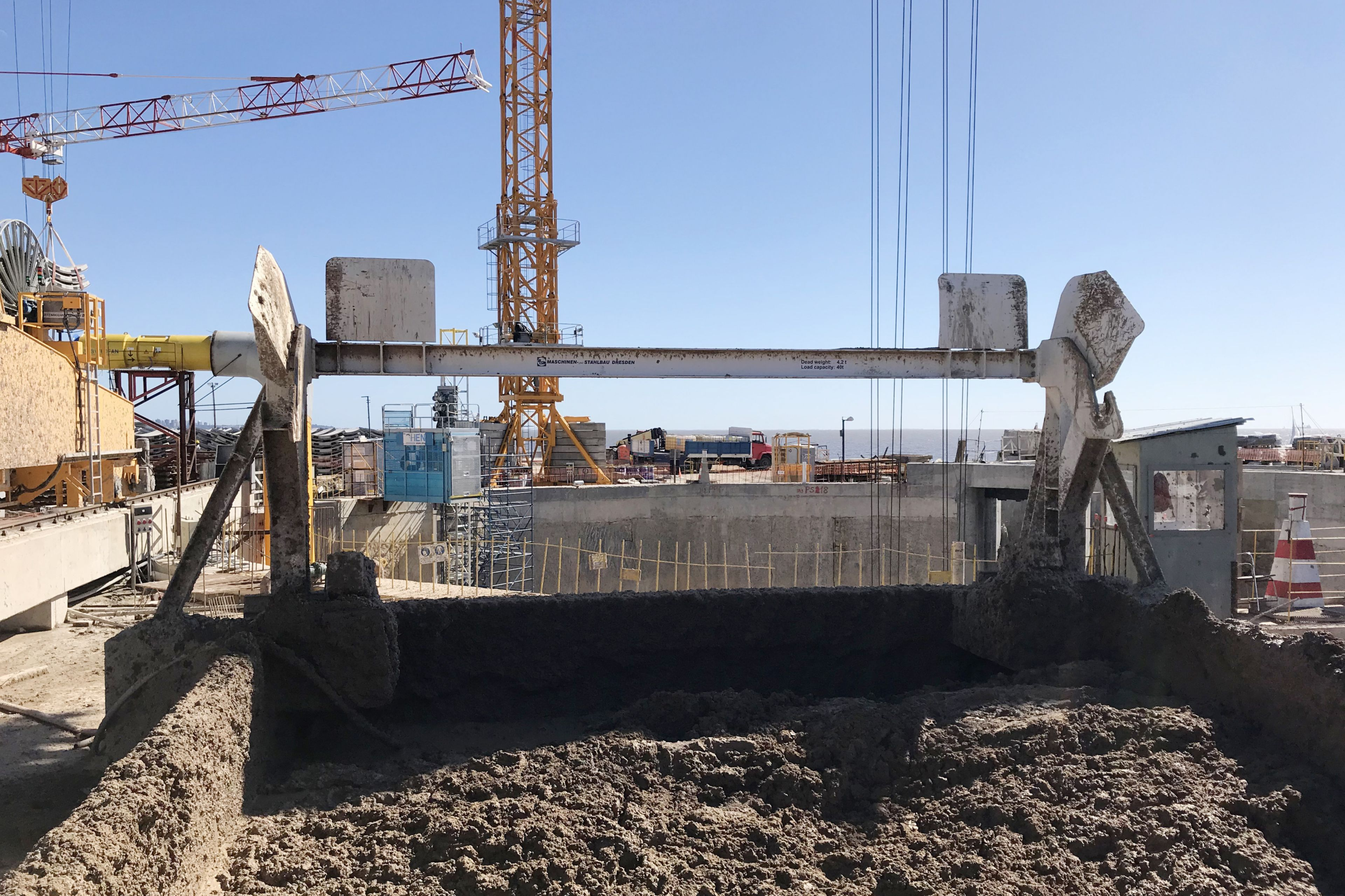 Excavating the  Arroyo - Vega tunnel in Argentina with TBM
