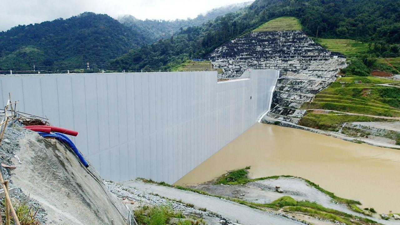 滚筒压实混凝土(RCC)在马来西亚乌鲁Jelai水电坝的应用