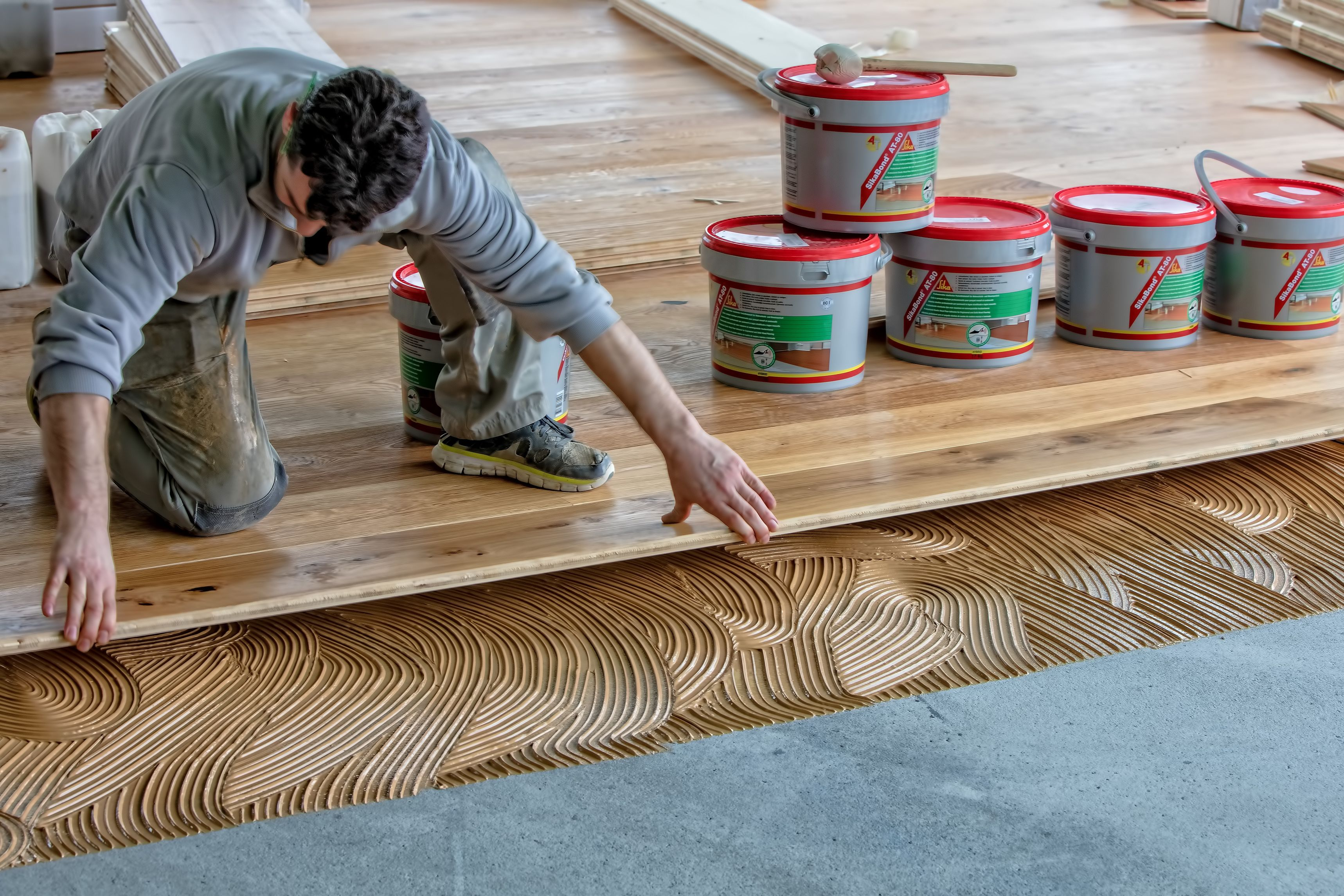 Wood floor bonding with SikaBond adhesive