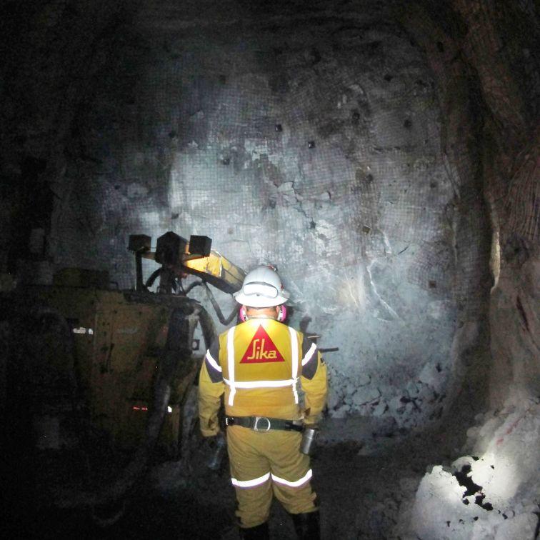 Spraying process underground using mobile Putzmeister piston pump spray units
