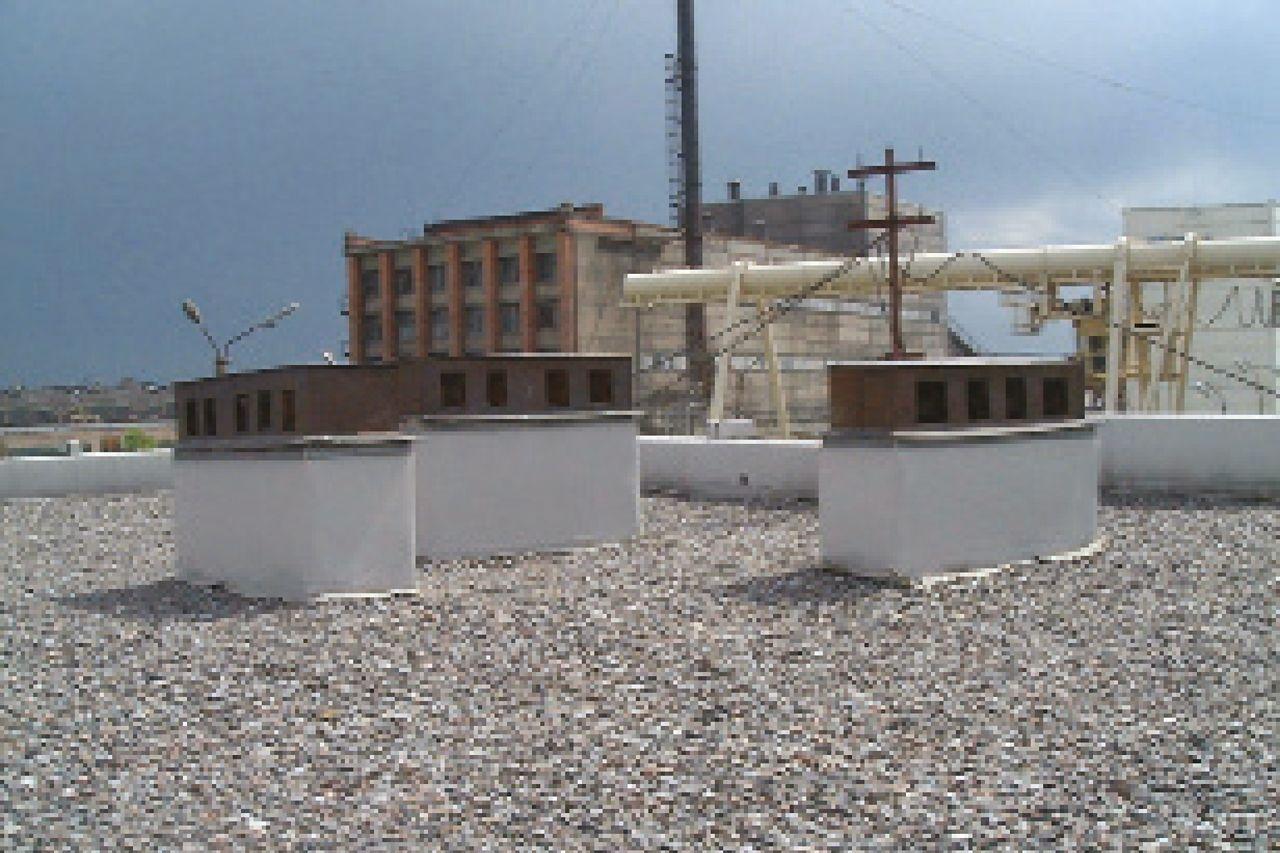 Copertura zavorrata in ghiaia di edifici commerciali/industriali