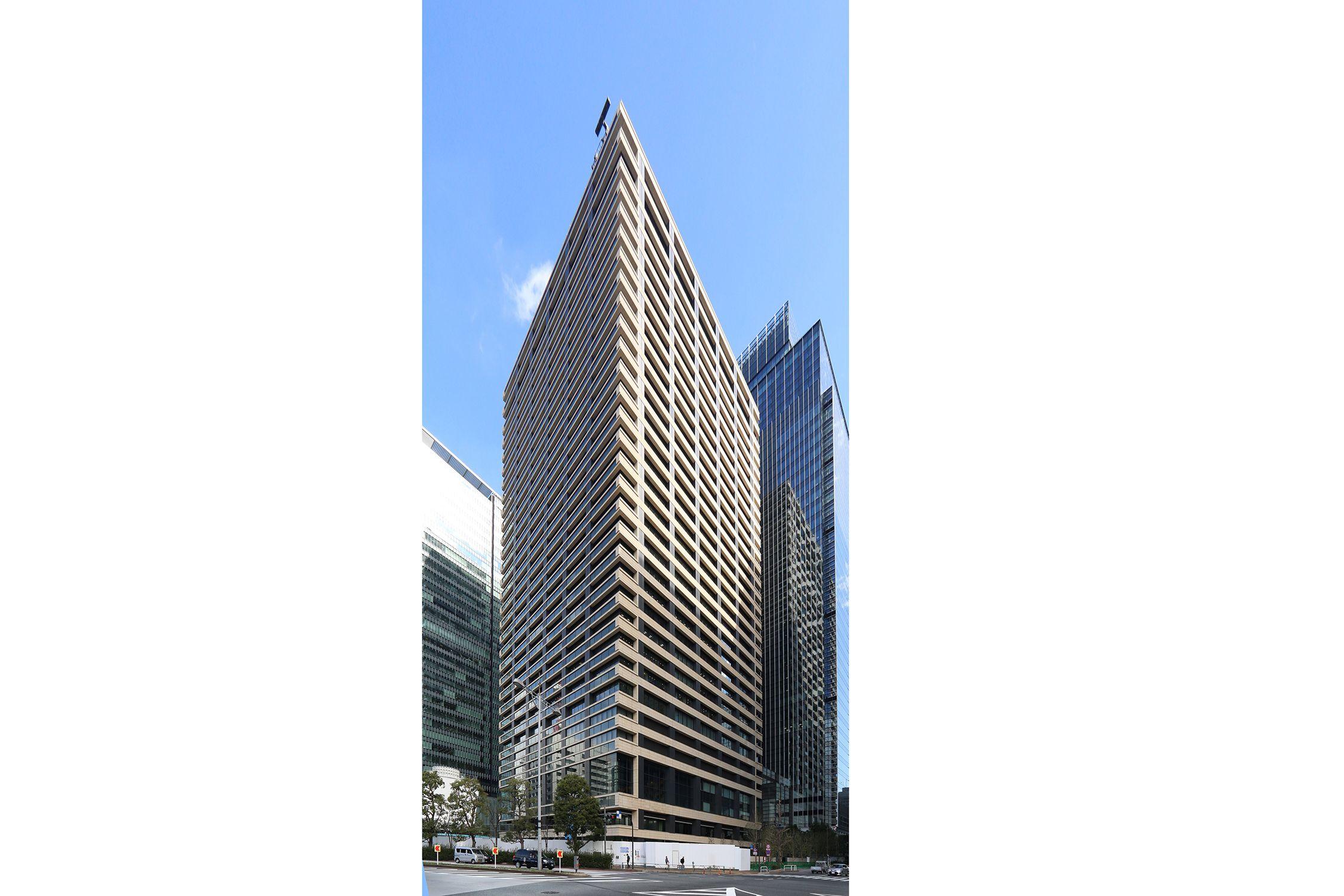 Otemachi Oneタワー、三井物産ビルの外観