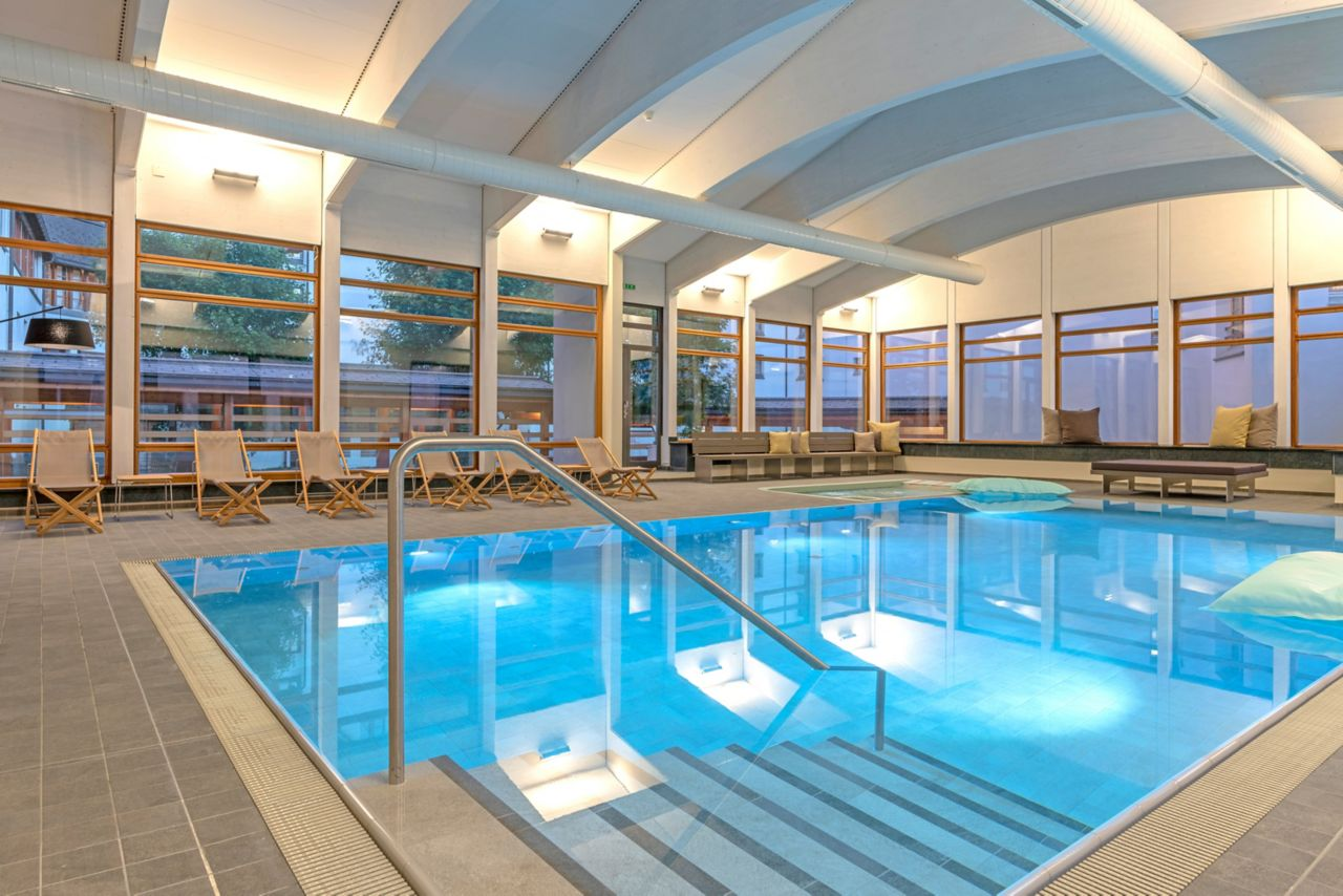baseny w hotelu