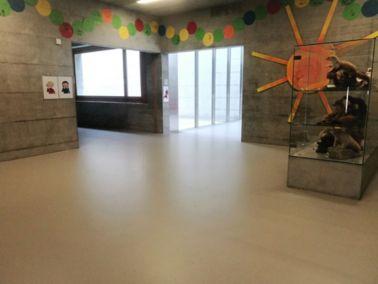 Verschleissfester Comfortbelag für Schulhäuser