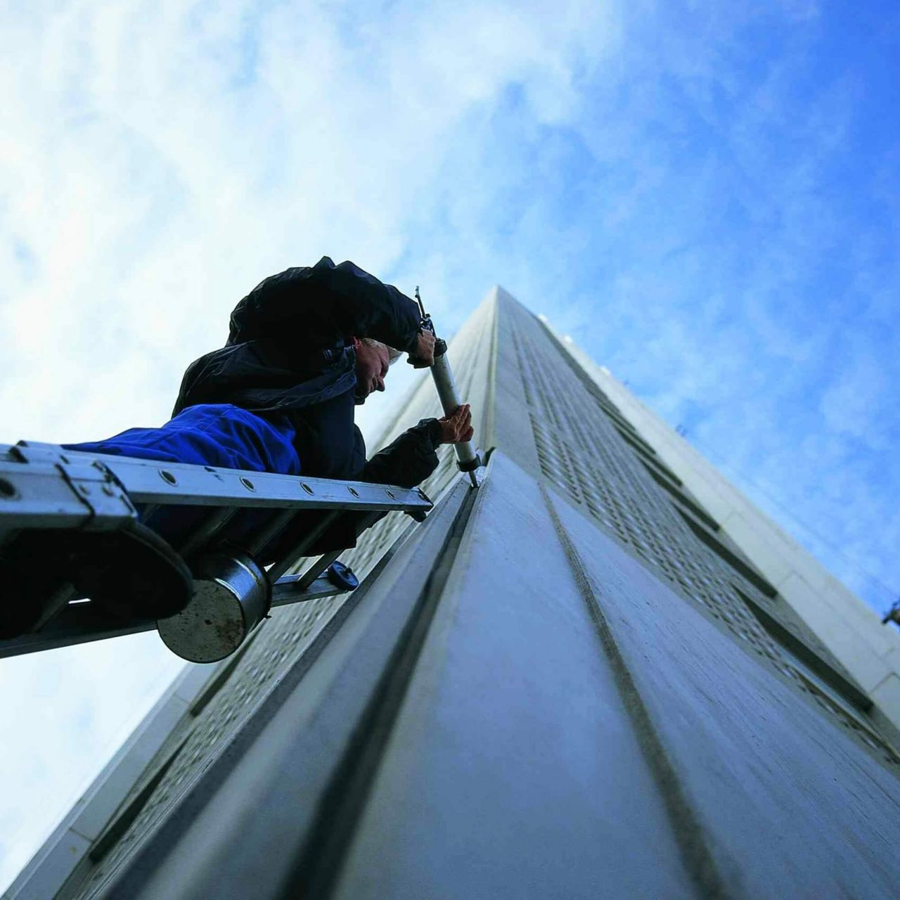 Polyurethane Joint Sealant Application to Exterior of Building