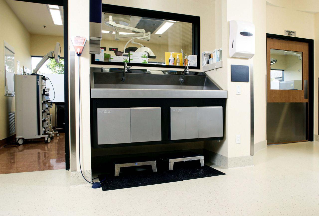 Hacidenda Surgical Area DecoFlake Floor