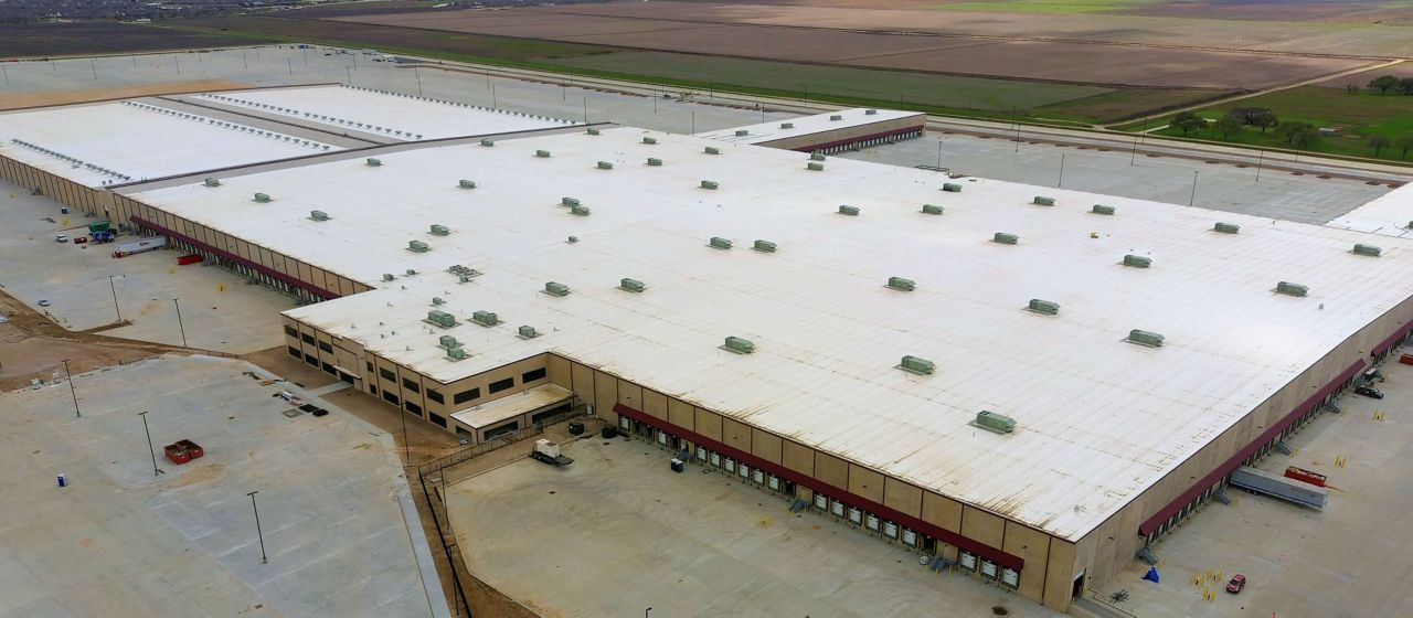 National Clothing Retail Distribution Center with a Sarnafil Membrane Roofing System