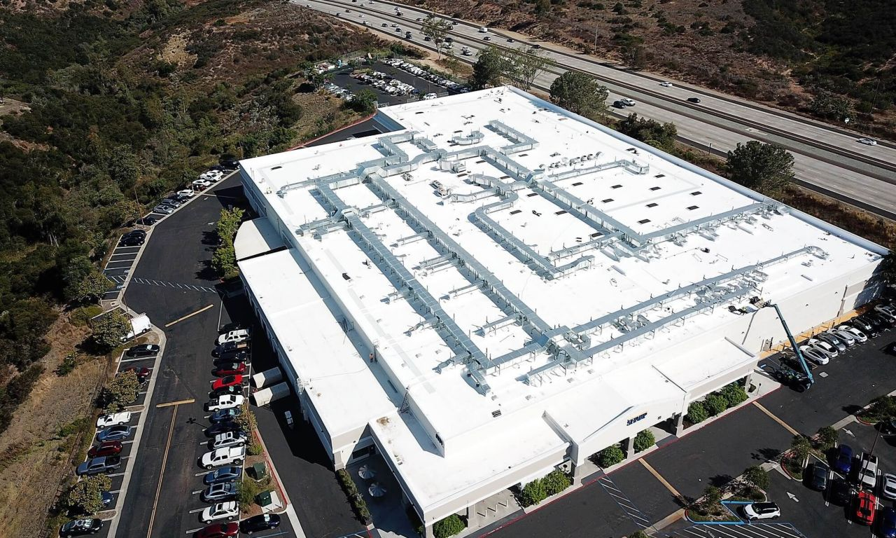 Sharp Healthcare Centralized Lab Building with a Sarnafil Membrane Roofing System