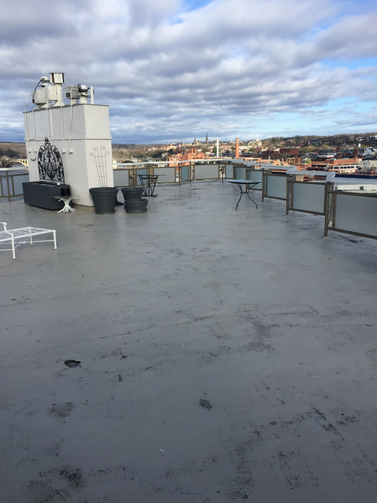 Watergate hotel roof before refurbishment