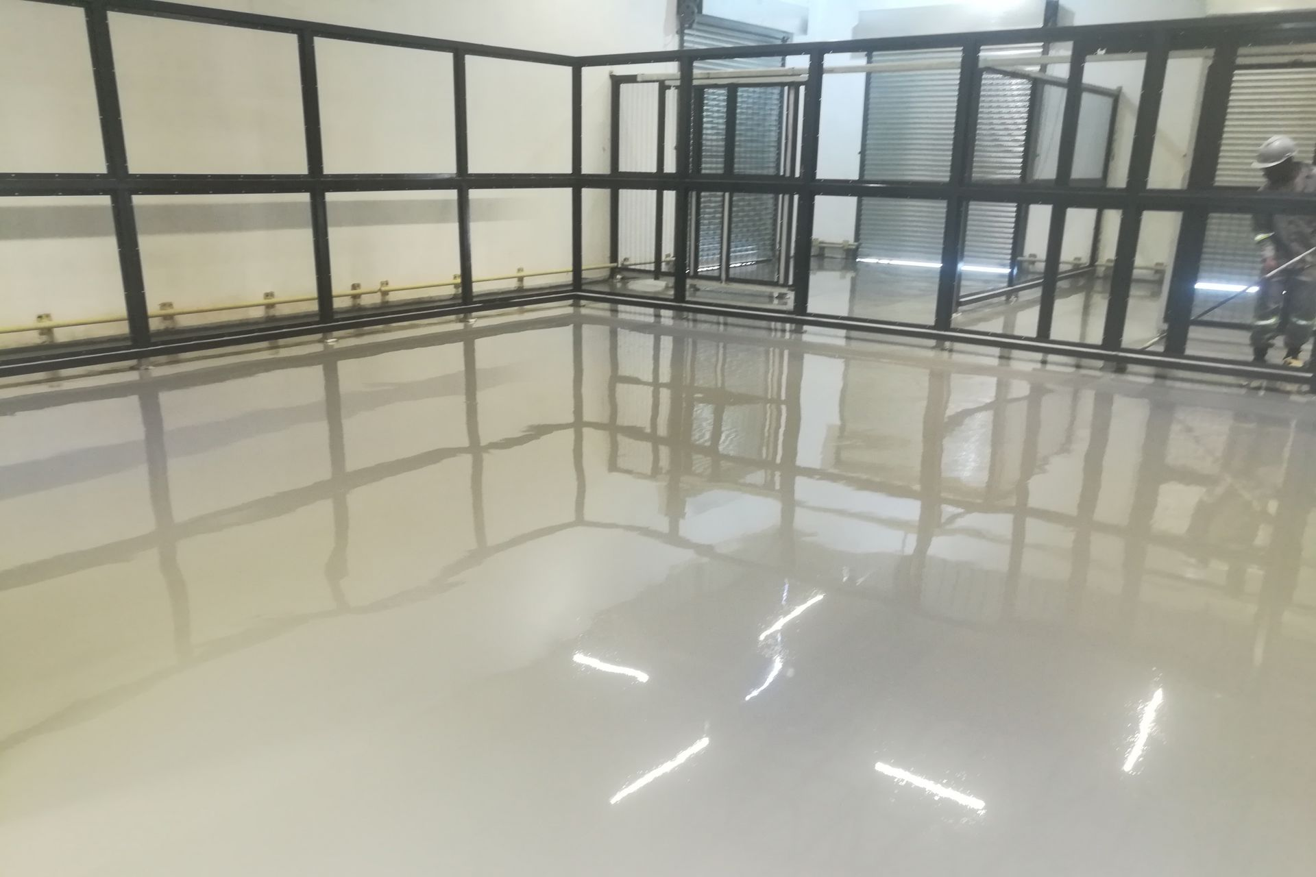 Specialised electrostatic dissipative floor, Sikafloor® 235 ESD, used as the flooring system due to the nature of their specific working environment